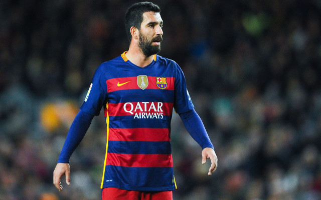 (Photo) Arda Turan carries Barcelona superstar Neymar on his shoulders