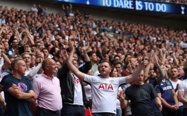 """Give that man a new contract"" - Spurs fans hail ace's return"