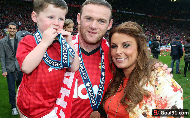 Wayne Rooney fears marriage is over as Coleen leaves £4m home