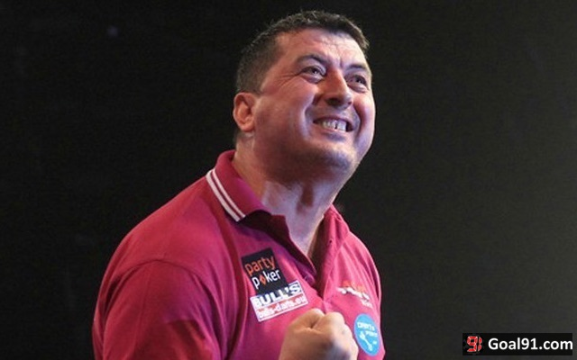 Mensur Suljovic wife gallery: PDC darts WAG steals European Championship show