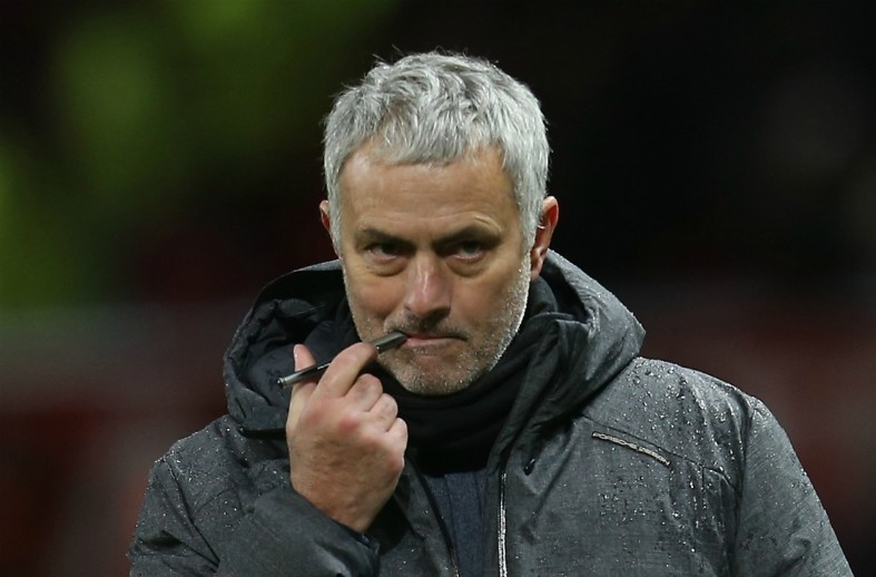 Manchester United transfer target appears to storm off the pitch during Chelsea vs Southampton clash
