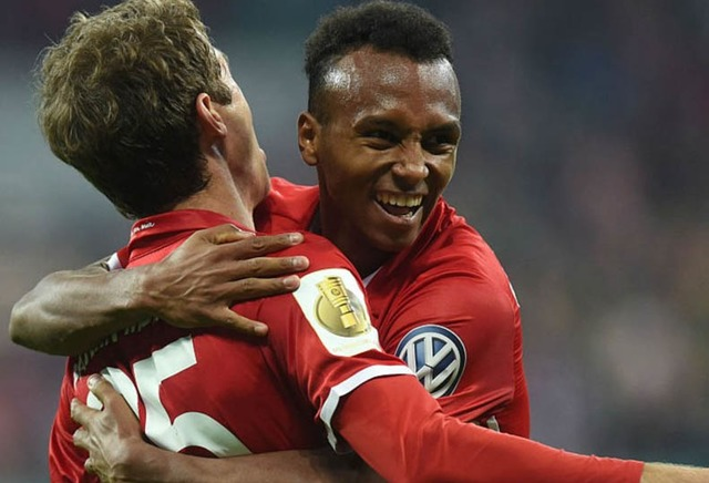 VIDEO Bayern Munich 3 - 1 Augsburg (DFB Pokal) Highlights
