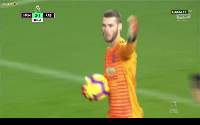 Video: Lacazette heads ball out De Gea's hand, goal disallowed
