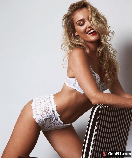 Danny Ings girlfriend Georgia Gibbs in lingerie