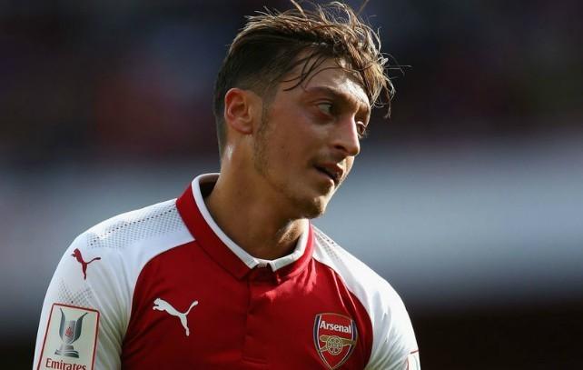 Arsenal identify surprise big-name transfer target to replace Mesut Ozil