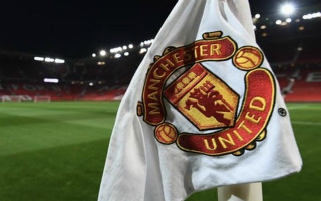 Manchester United hold transfer talks with entourage of 332-goal superstar