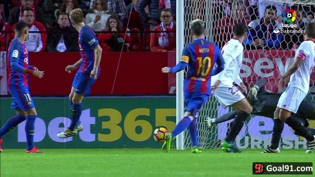 VIDEO: Brilliant Leo Messi guides Barcelona to 2-1 win at Sevilla (official video)