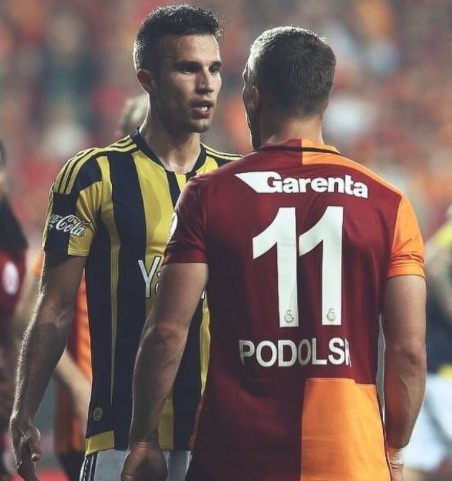 (Video) Robin van Persie hails 'great' team performance in Istanbul derby