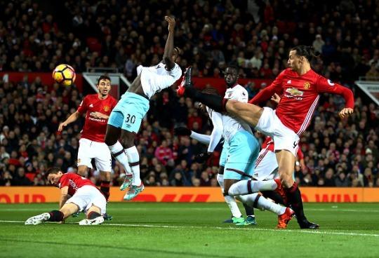 Premier League HOT or NOT: Sakho, Moses, Pochettino, Koeman, good goals