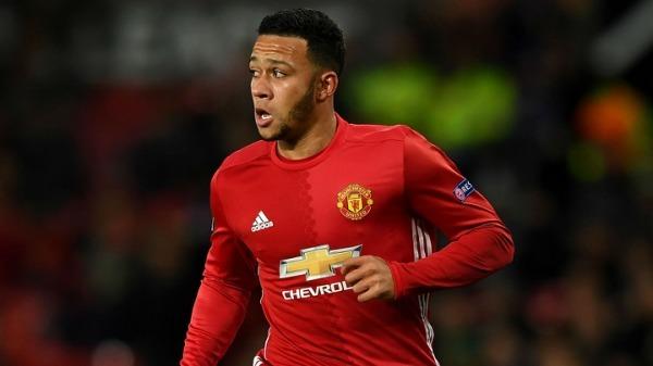 Premier League: Lyon 'prioritise' Manchester United winger