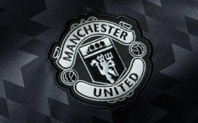 Man Utd star halts house hunting, major concern as contract talks stall