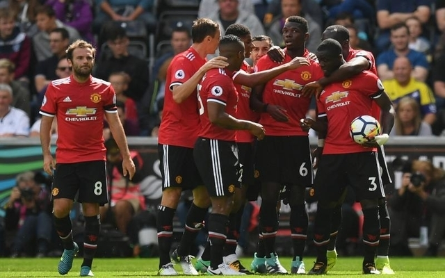 Manchester United players hold crisis talks over major tactical issue