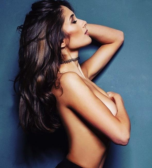 Sophie Rose topless