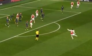 Video: Carl Jenkinson produces either the worst volley of the season or the best no-look pass of the season for Arsenal vs Sporting Lisbon | Goal91