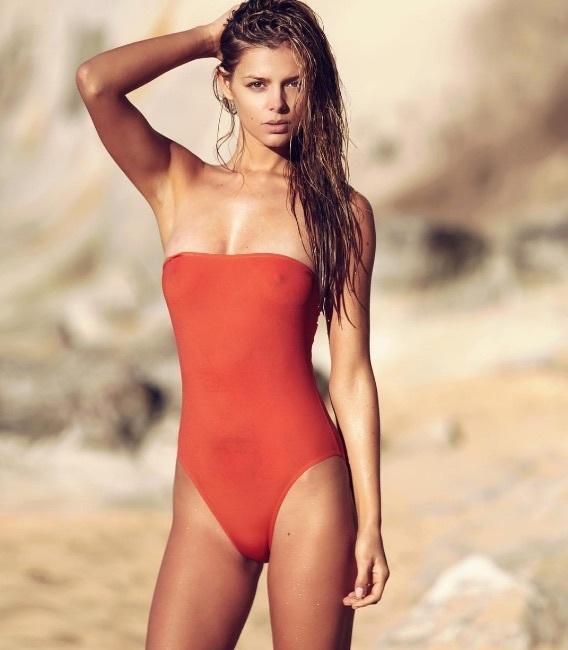Milos Raonic girlfriend Danielle Knudson in onepiece