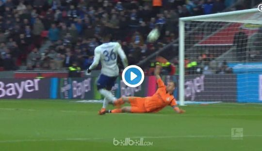 Arsenal transfer news: Bernd Leno save vs Schalke video