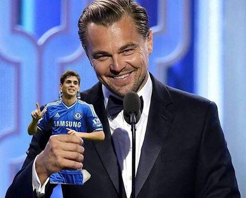 Leo Enjoys His Oscar