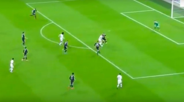 (Watch) Eden Hazard does his best Alvaro Morata impression to brilliantly set up Willian for Chelsea's 2nd goal vs Qarabag