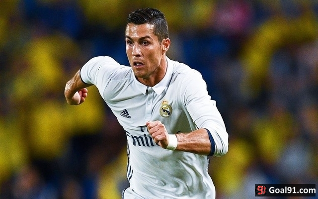 Cristiano Ronaldo counters homophobic abuse with goals