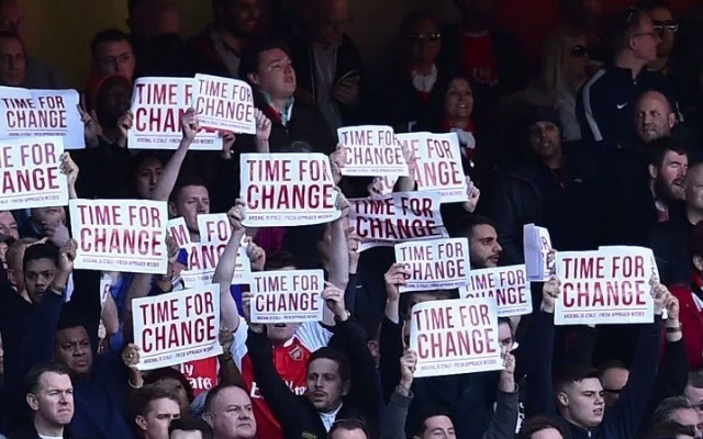 Arsenal fans Wenger out signs