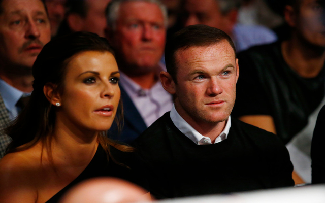 (Photo) Wayne Rooney puts his Man United troubles behind him at a night of boxing to cheer on Anthony Crolla