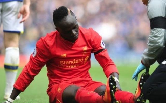 Sadio Mane injury in Liverpool 3-1 Everton