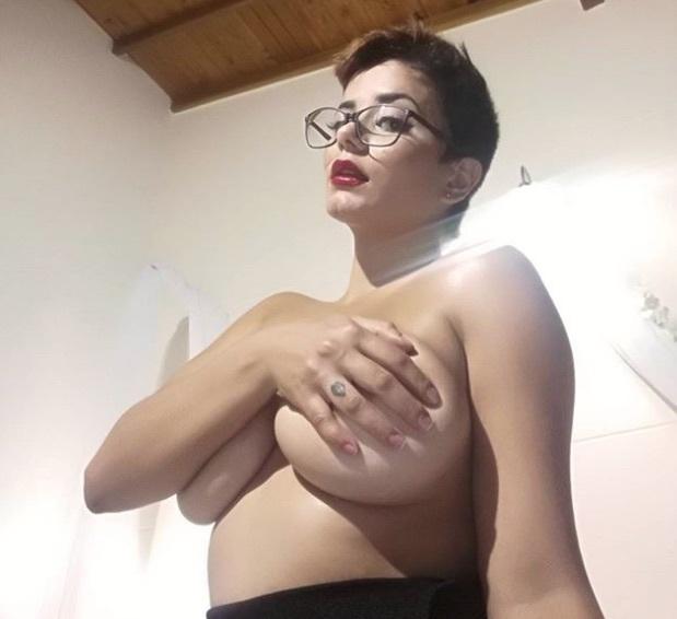 Amaranta Hank topless