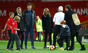 (Photo) Gorgeous Hollywood A-lister loving her trip to Manchester United with midfield ace and Coleen Rooney